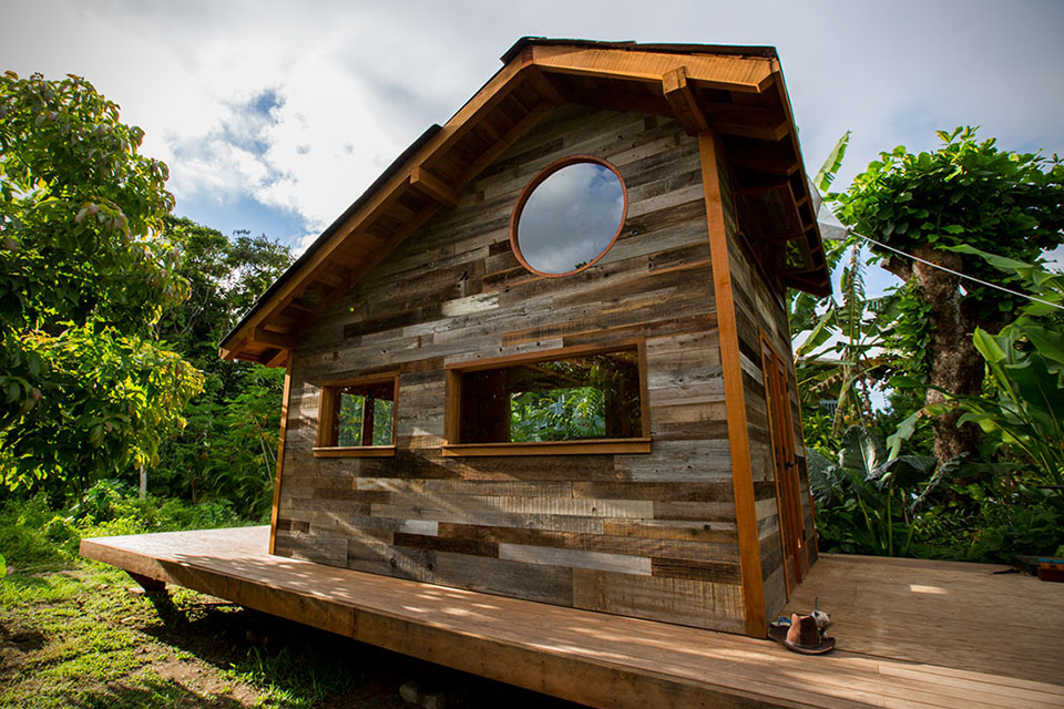 200 Square Foot House in Hawaii5