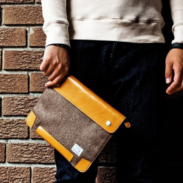Zipsnap iPad Case by Venque