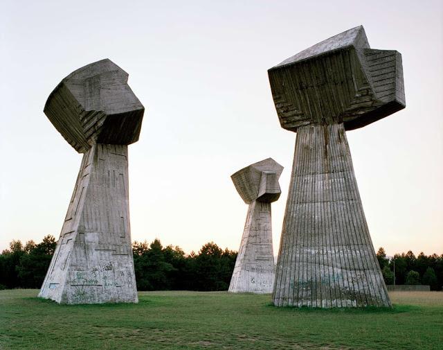 a4081-spomenik_11