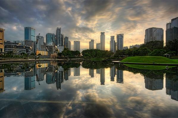 Lake Reflection by Tuah Roslan