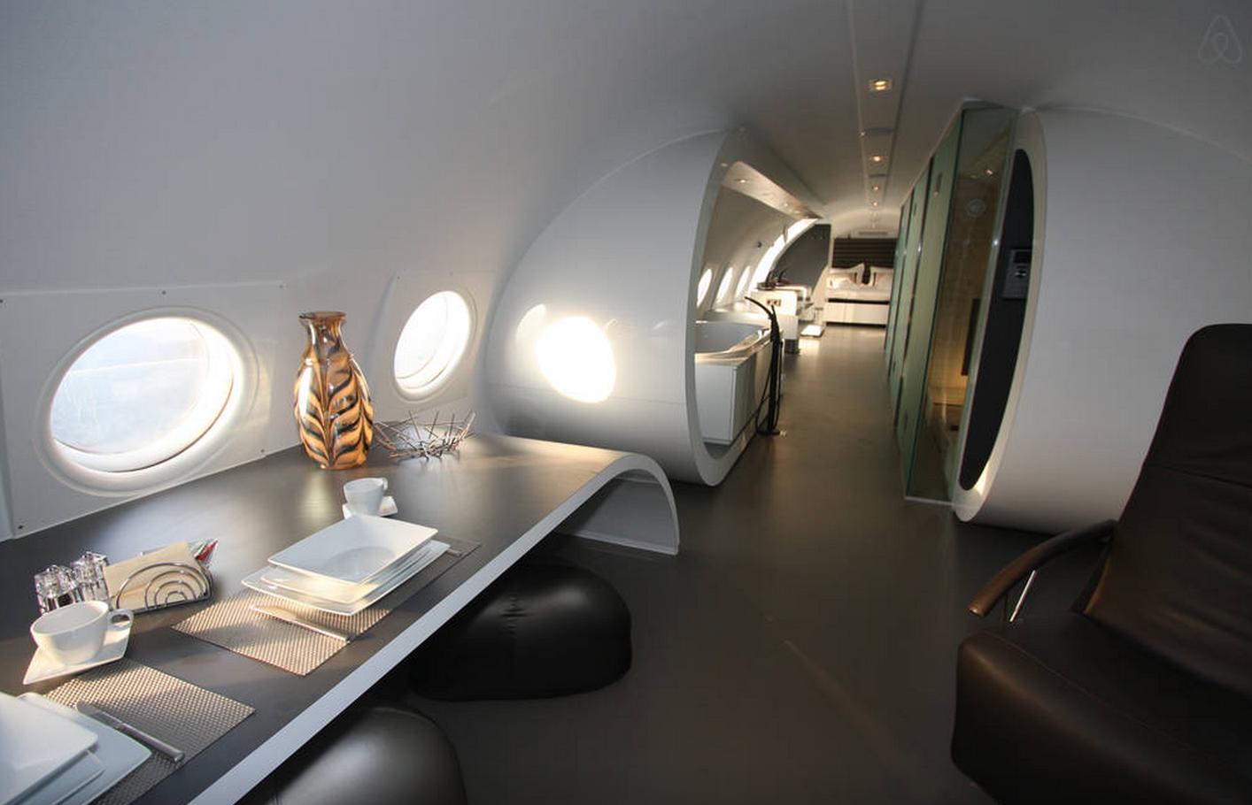 Airplane Suite1